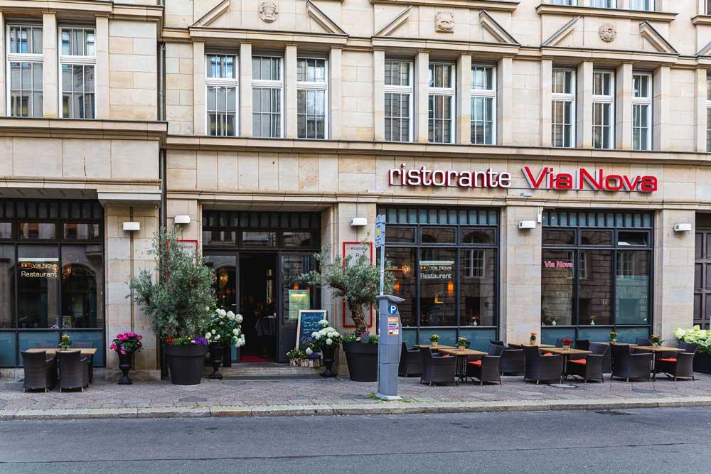 Via-Nova-2-italienisches-Restaurant-Berlin-Ueber-Uns-Galerie-1-Aussenansicht