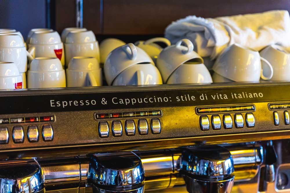 Via-Nova-2-italienisches-Restaurant-Berlin-Ueber-Uns-Galerie-5-Kaffee